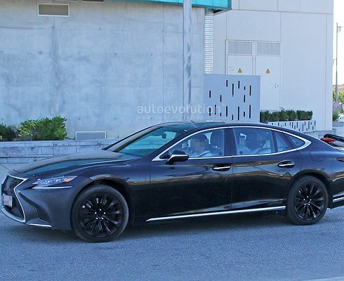 Новый Lexus LSFзамечен натестах