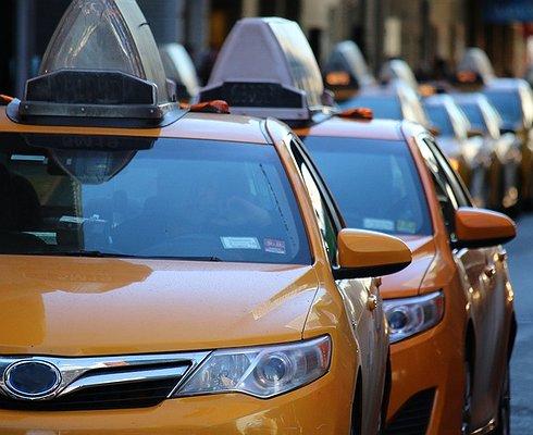 Какие автомобили выбирают таксисты вРоссии
