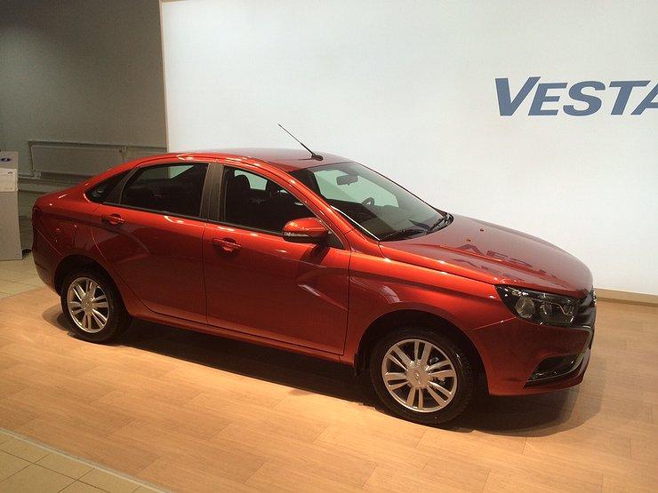 Лада Vesta признана «Лучшим продуктом года» поверсии RAF