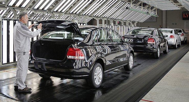 Россияне все чаще покупают машины отечественной сборки