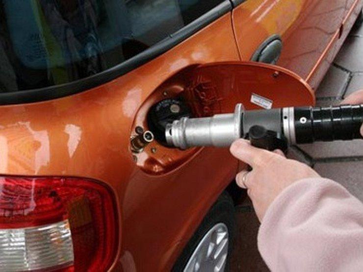 Как переоборудовать машину на газ