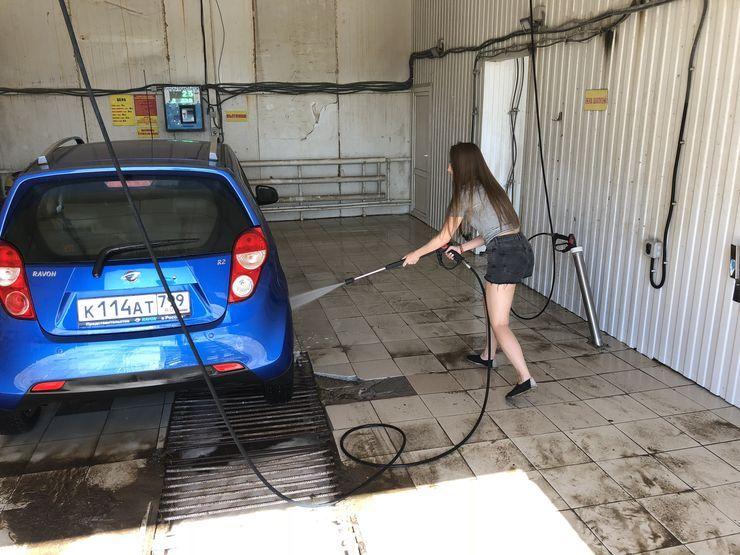 Почему летом обязательно нужно мыть днище автомобиля
