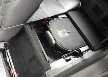 Выстрел в спину: первый тест-драйв обновленного кроссовера Peugeot 5008