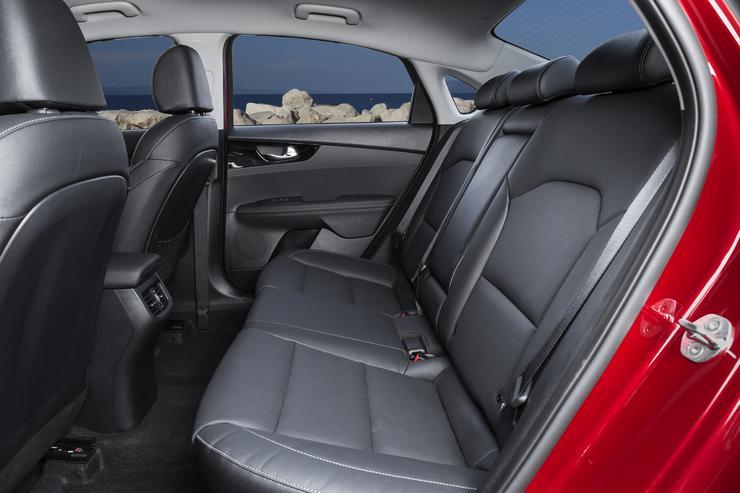 Первый тест-драйв нового KIA Cerato: эталонный прорыв - Автомобили