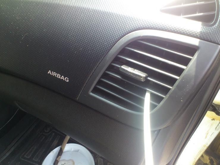 Самый простой и дешевый способ почистить кондиционер в автомобиле