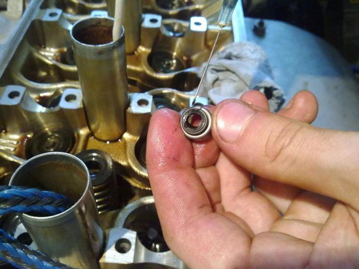 О чем расскажет масло в воздушном фильтре двигателя машины
