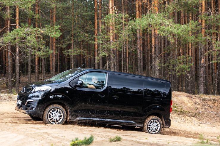 Делай грязь: тест-драйв внедорожника-минивэна Peugeot Traveller с полным приводом