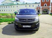 Почему микроавтобус лучше кроссовера: тест-драйв Opel Zafira Life 2021