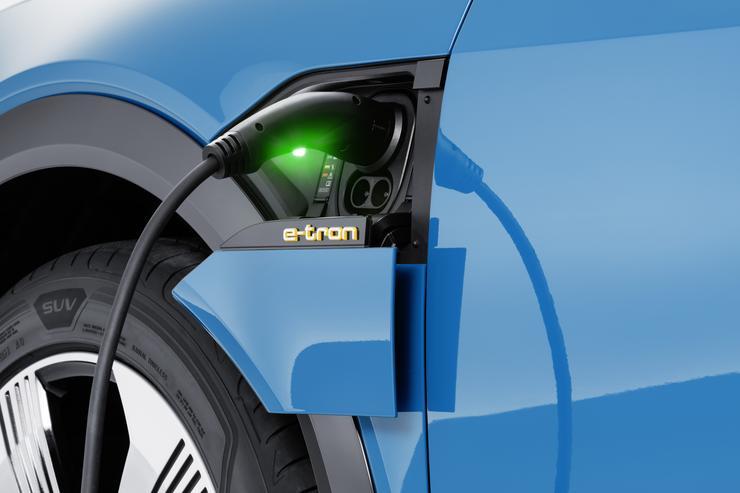 Audi представила свой первый серийный электрокроссовер