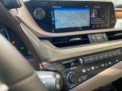 Пижонские страсти: тест-драйв обновленного Lexus ES250