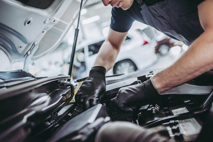 Какие дешевые автомобили разоряют владельцев на техническом обслуживании