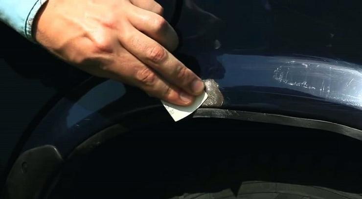 Как закрасить царапины на машине