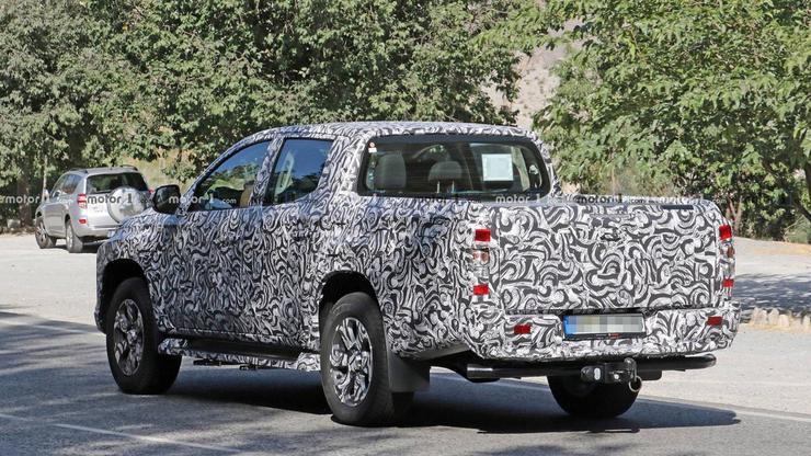 Mitsubishi готовит к премьере обновленный L200 - Автомобили