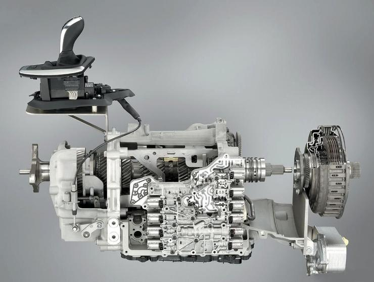 Пять повседневных ошибок водителя, убивающих «робот» коробки передач