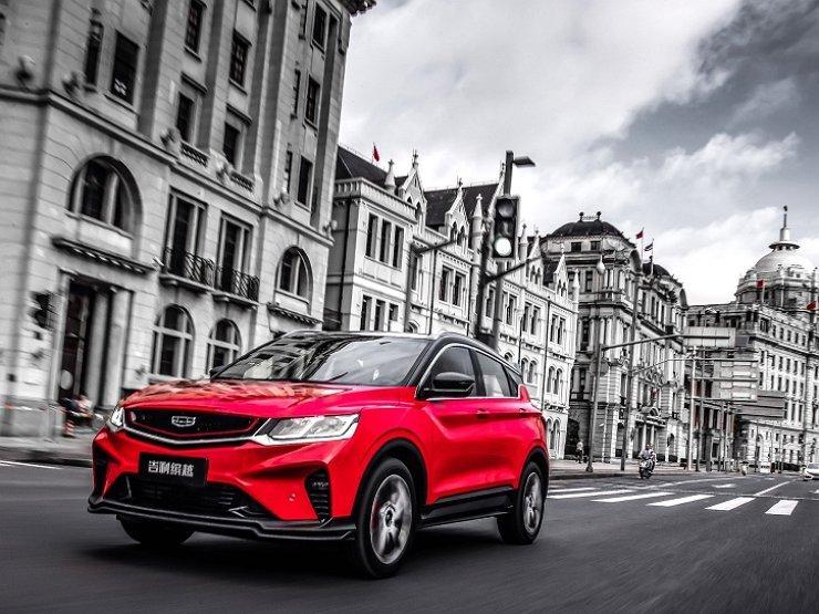Огромная премьера: наМосковском автомобильном салоне представят русский лимузин Aurus